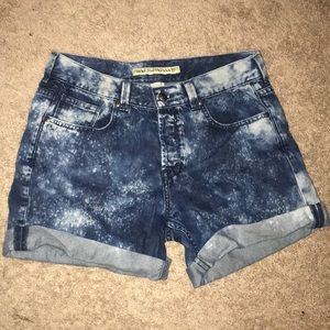 French connection Jean shorts. Acid wash